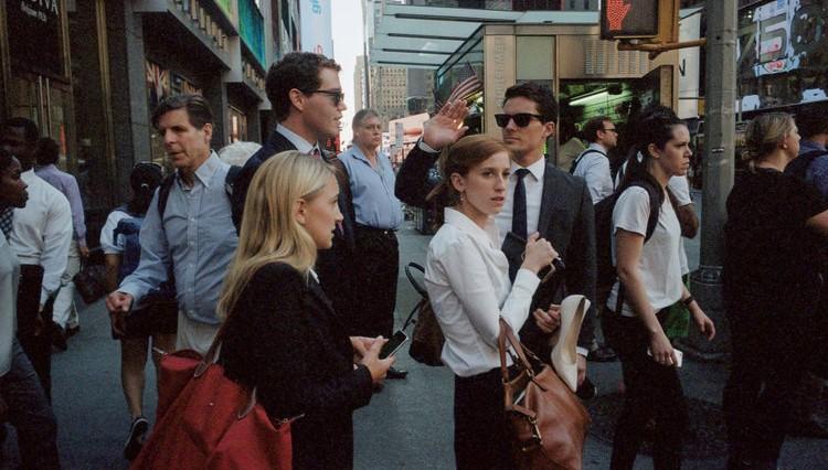 Top 10 Etiquette Dos for a More Civilized City Experience